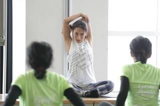 田辺莉咲子、ニューバランス×アルペンイベント「ワークアウト&ラン」で100人の女性に筋力トレーニングを実施!