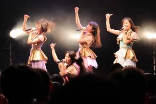 東京女子流、ステージ上で脱いだ!!新曲「光るよ」初披露!!