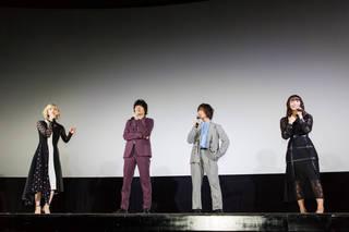 """浅川梨奈が『クロガラス2』舞台挨拶に登場! 援助交際する""""エグい役""""に挑戦!"""