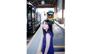 大原優乃の写真集公式Twitter開設!見返り美人な先行カット解禁、写真集タイトルは「吐息」に決定!