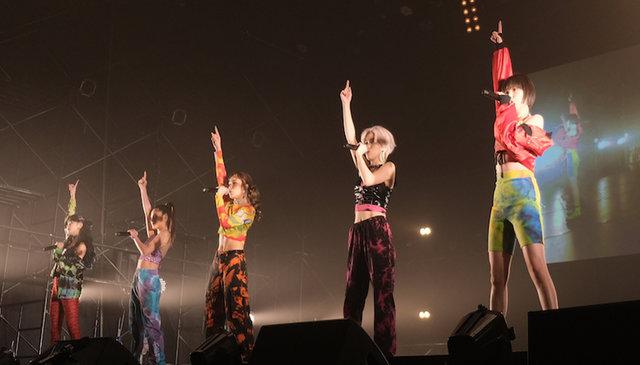 FAKY、世界最大級のダンスイベントで、圧巻のパフォーマンス!カラフルな新衣装で新曲「NEW AGE」を初披露
