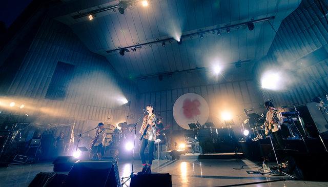 """大塚 愛、1月15日発売LIVE DVD/Blu-rayから""""冒頭9分""""のライブ映像をYouTubeプレミア公開!"""