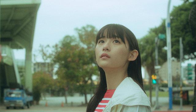 穐山茉由監督×主演:浅川梨奈 短編映画「嬉しくなっちゃって」配信開始