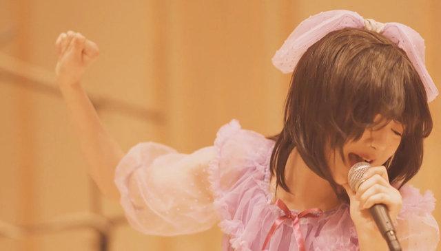 """新井ひとみ「少女 A」で""""涙""""を流した瞬間的作品に!! MUSIC VIDEO・ジャケット写真・アーティスト写真を解禁!!"""
