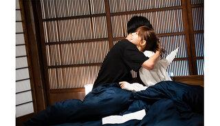 """non-noモデル江野沢愛美、""""全話ベッドでのキスシーン"""" のドラ恋 第一話から前代未聞の事態に!?「自分で見ててもきゅんとしました!」"""