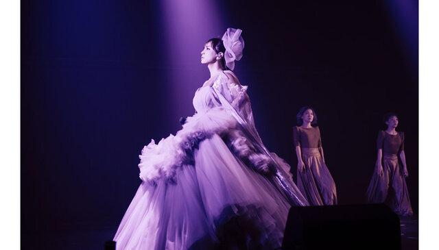 """浜崎あゆみ、オンラインライヴにて""""幻のライヴ""""を再現!!"""