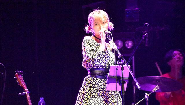 圧巻の歌唱力! MAINA(大阪☆春夏秋冬)、生誕ライブでバンドを従え自作ソロ曲を初披露!!