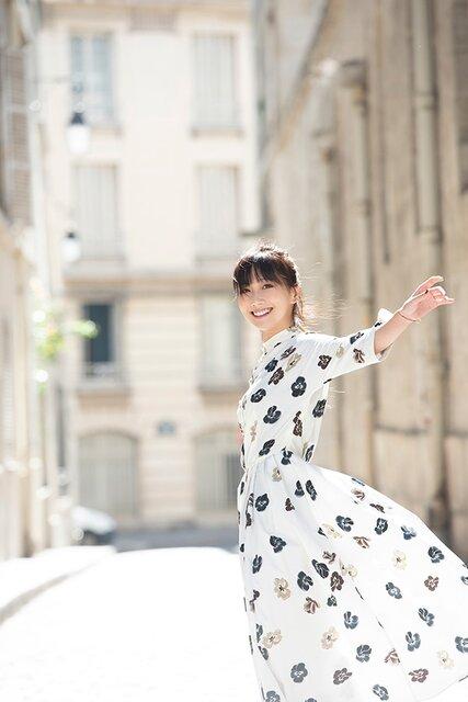 秋なのに……。大塚 愛、TikTokで「金魚花火」ピアノ弾き語り動画を公開!