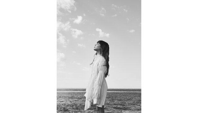 【本人コメントあり】FAKYのAKINA、サウンドプロデュースに藤井風やiriを手掛けるYaffleを迎えソロデビュー!