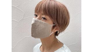 hitomiが提案する新しい大人女性の「マスクスタイル」に注目!