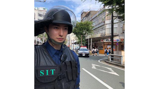 濱正悟が日曜劇場「TOKYO MER~走る緊急救命室~」第3話に出演。 人質の命を守るために奮闘するSIT隊員を演じた濱の熱演にTwitterも騒然!
