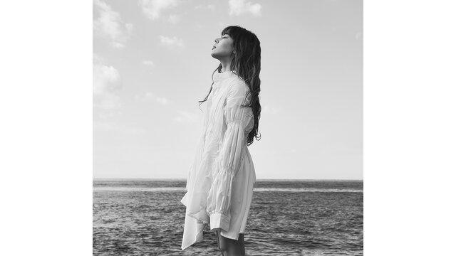 """FAKYのAKINA、自ら作詞作曲を手がけた、""""愛に溺れた過去の自分""""を描いた新曲リリースを発表!"""