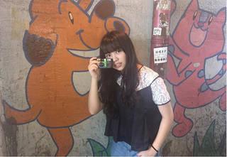 あのアーティストも!?巷で人気の「カメラ女子」ブーム到来!?