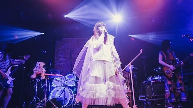 """大森靖子、全国ツアー『2017 LIVE TOUR """"kitixxxgaia""""』がスタート! 6月2日、仙台Rensaはまさに""""聖地""""と化した"""