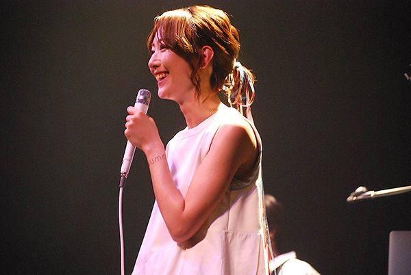 moumoon 初の2人ライブツアー最終日を完全レポート! 夏以降には、最新アルバム発売&全国ツアー開催!!