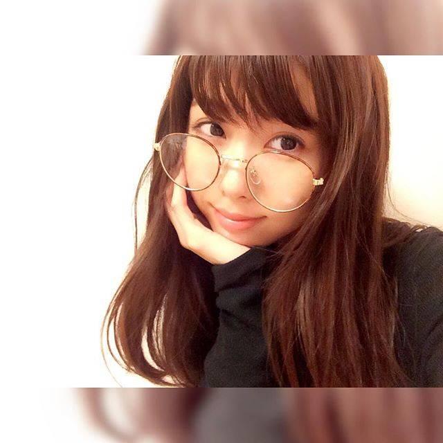 自分史上最小フェイスに見せる!中島愛蘭の小顔テクがすごい♡