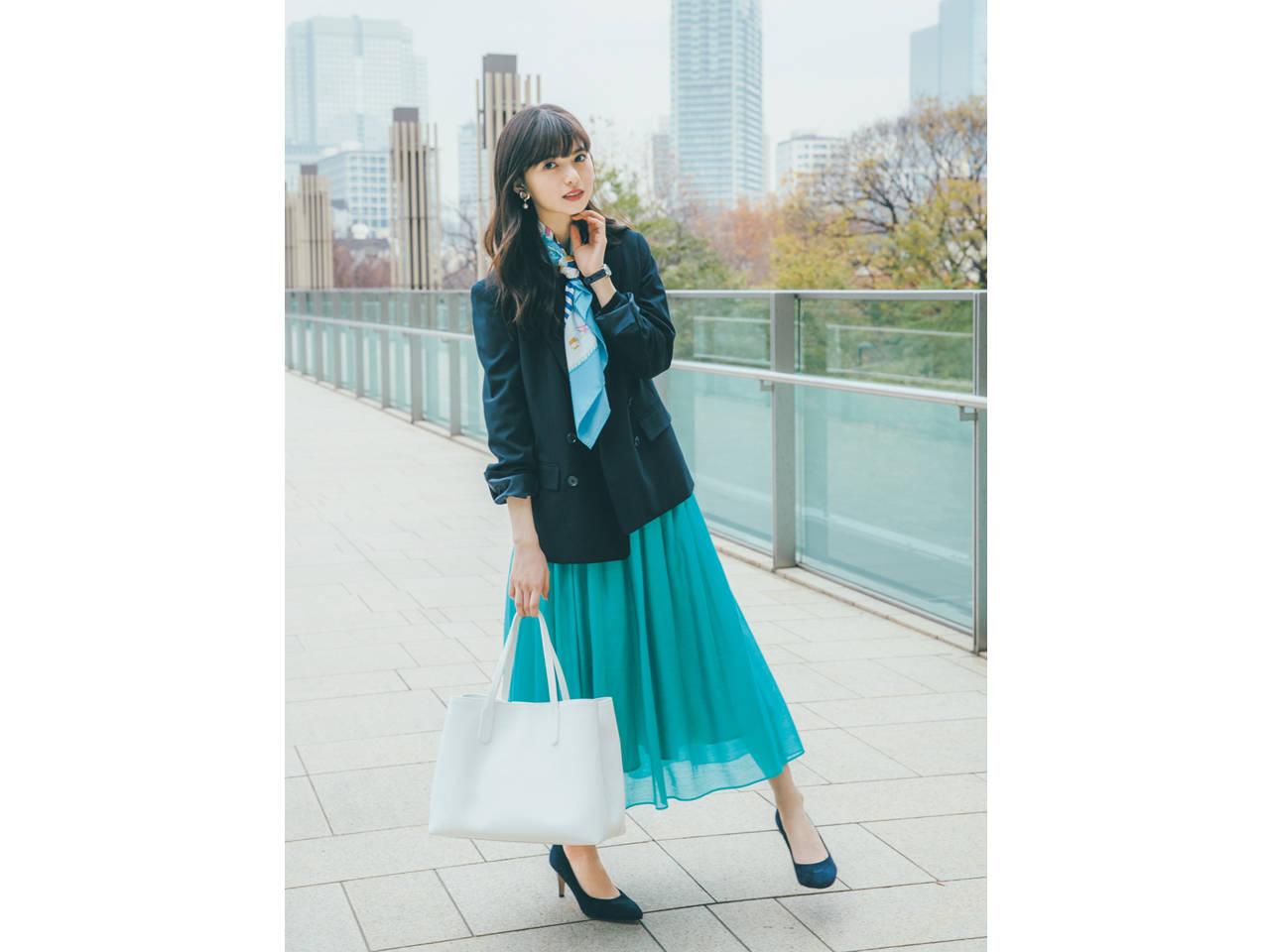 オフィスカジュアルの齋藤飛鳥さん