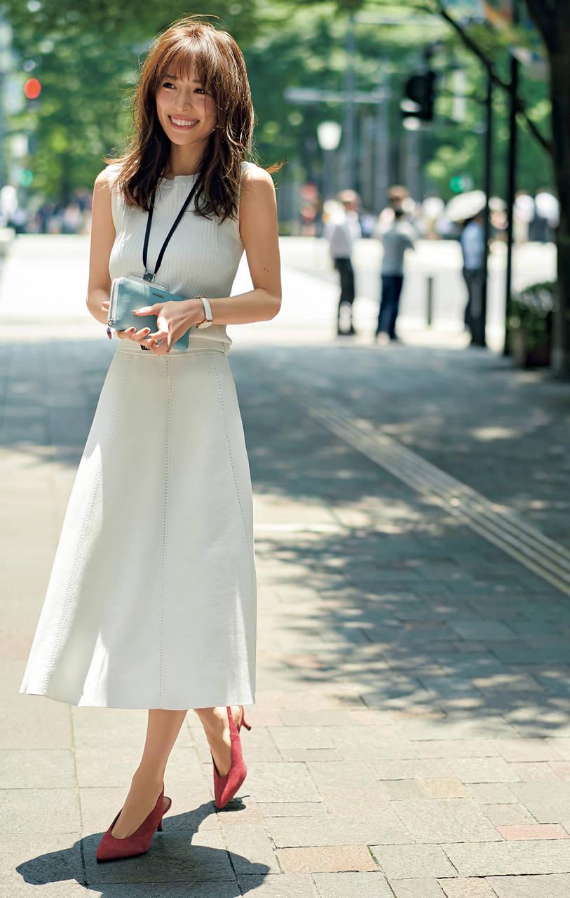 OLファッションの泉里香さん