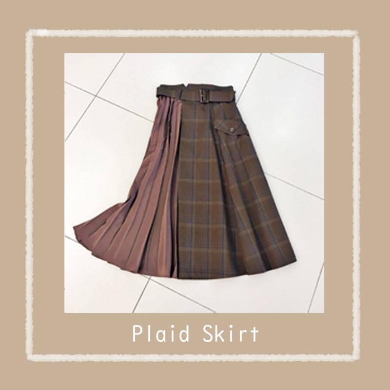42870ab9889c マイストラーダのスカート(¥24000)は異素材使いのデザインにひとめボレ。タンクトップと合わせて夏終わりからさっそく着たい。