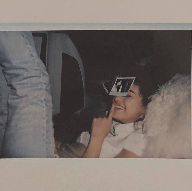 Selena GomezさんはInstagramを利用しています:「March 1, 1994 someone I know that happens to be super cool was born. Boom.」 (170507)