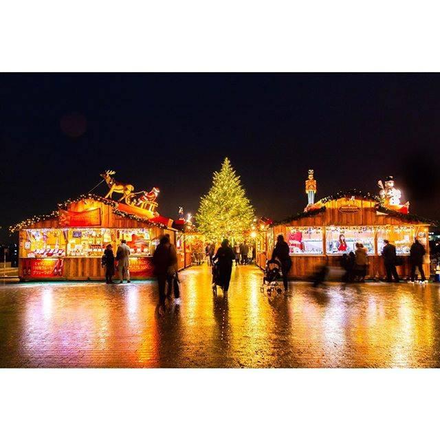 """横浜赤レンガ倉庫 on Instagram: """". 雨上がりのクリスマスマーケットも素敵✨ 公式アカウント(@yokohamaredbrickwarehouse)をフォロー&タグ付けし「#クリスマスマーケット」と「#サンジョルディコラボツリー」をつけて投稿するInstagramフォトコンテスト実施中♫ ♫ .…"""" (349622)"""