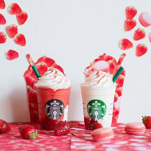 """スターバックス公式 on Instagram: """"🍓🍓🍓 今年は、なんと""""ふたごのイチゴ""""🍓🍓 4/11(木)より、#ストロベリーべリーマッチフラペチーノ がレッドとホワイトの2種類でスタートします😋  イチゴ過ぎるイチゴ感のレッドと、 イチゴマカロンが可愛いホワイト。 みなさんはどちらから楽しみますか☺️🍓💕 …"""" (442394)"""
