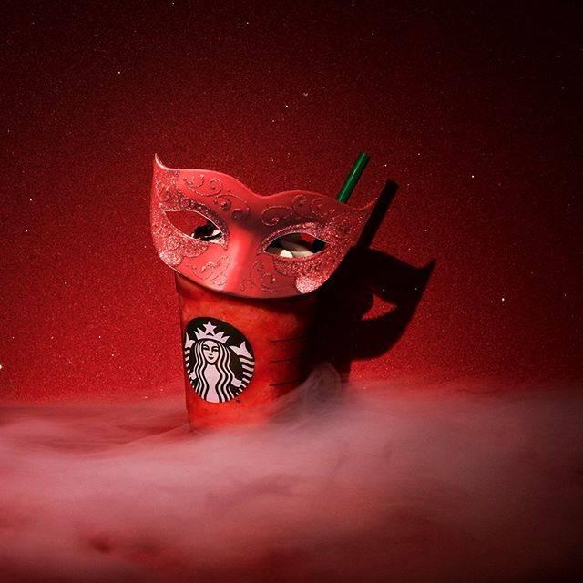 今年もスターバックスのハロウィンがみなさんを魅了します!