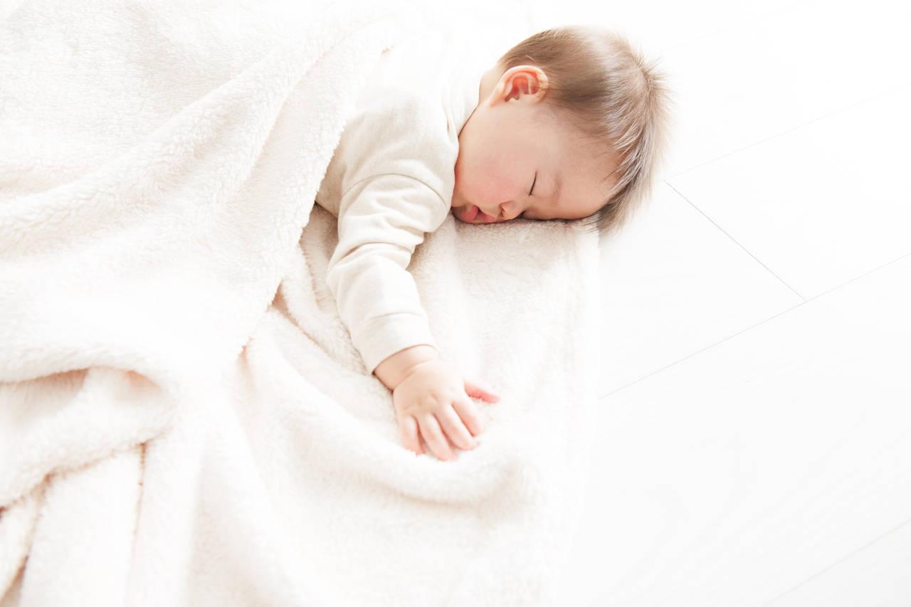 年子育児は大変?赤ちゃん期の育児やお出かけの不安を解消!