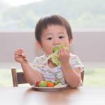子どもの食べ方が気になる!正しく食事をするためのマナーと声かけ