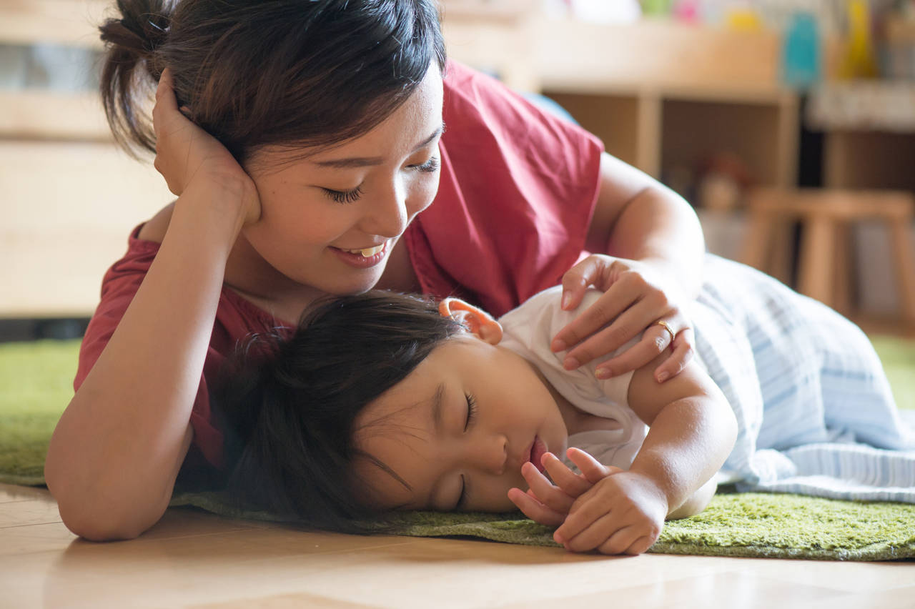 乳児の寝かしつけが楽に!寝かしつけの準備と方法について