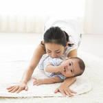 ベビーヨガの効果とは?赤ちゃんと自宅でできるやり方をご紹介!