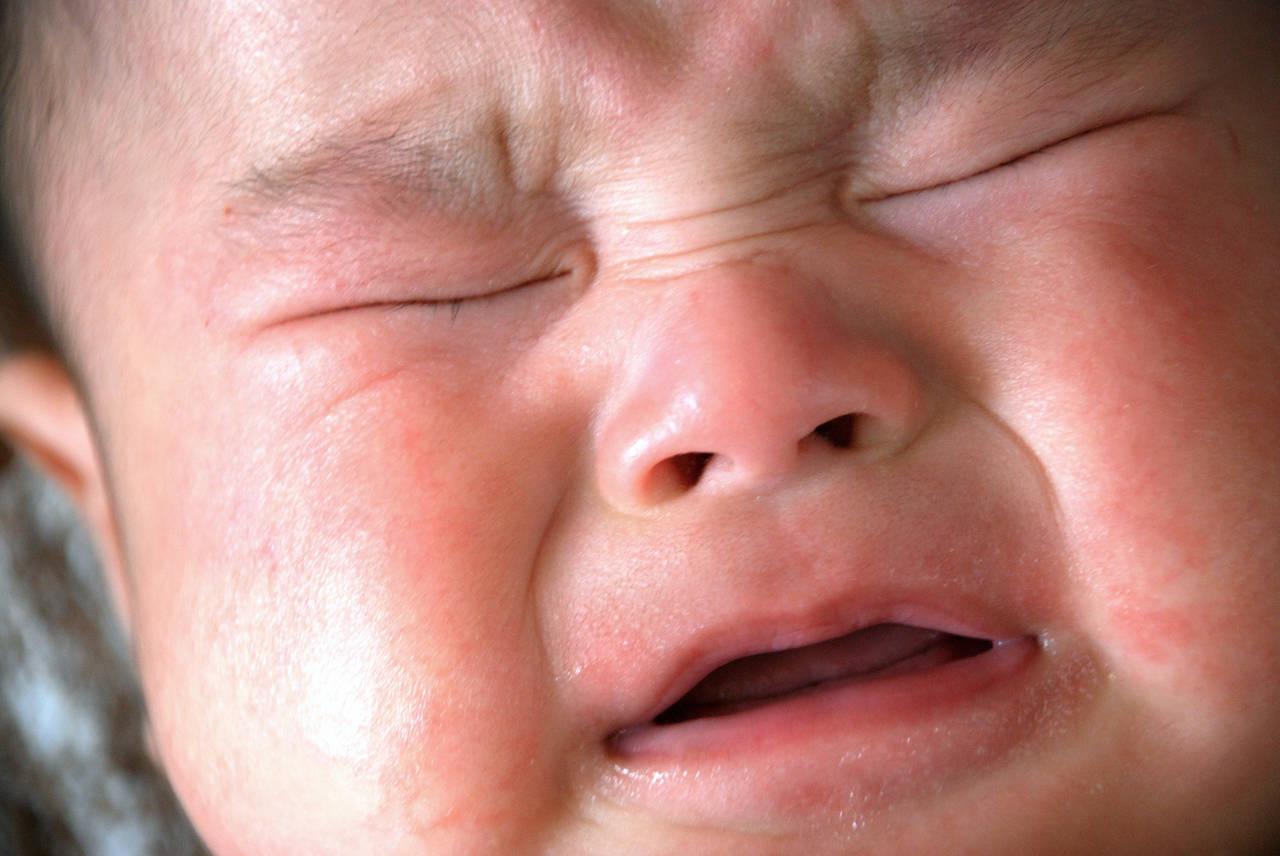 赤ちゃんの夜泣きはいつからいつまで?知っておきたい対処法