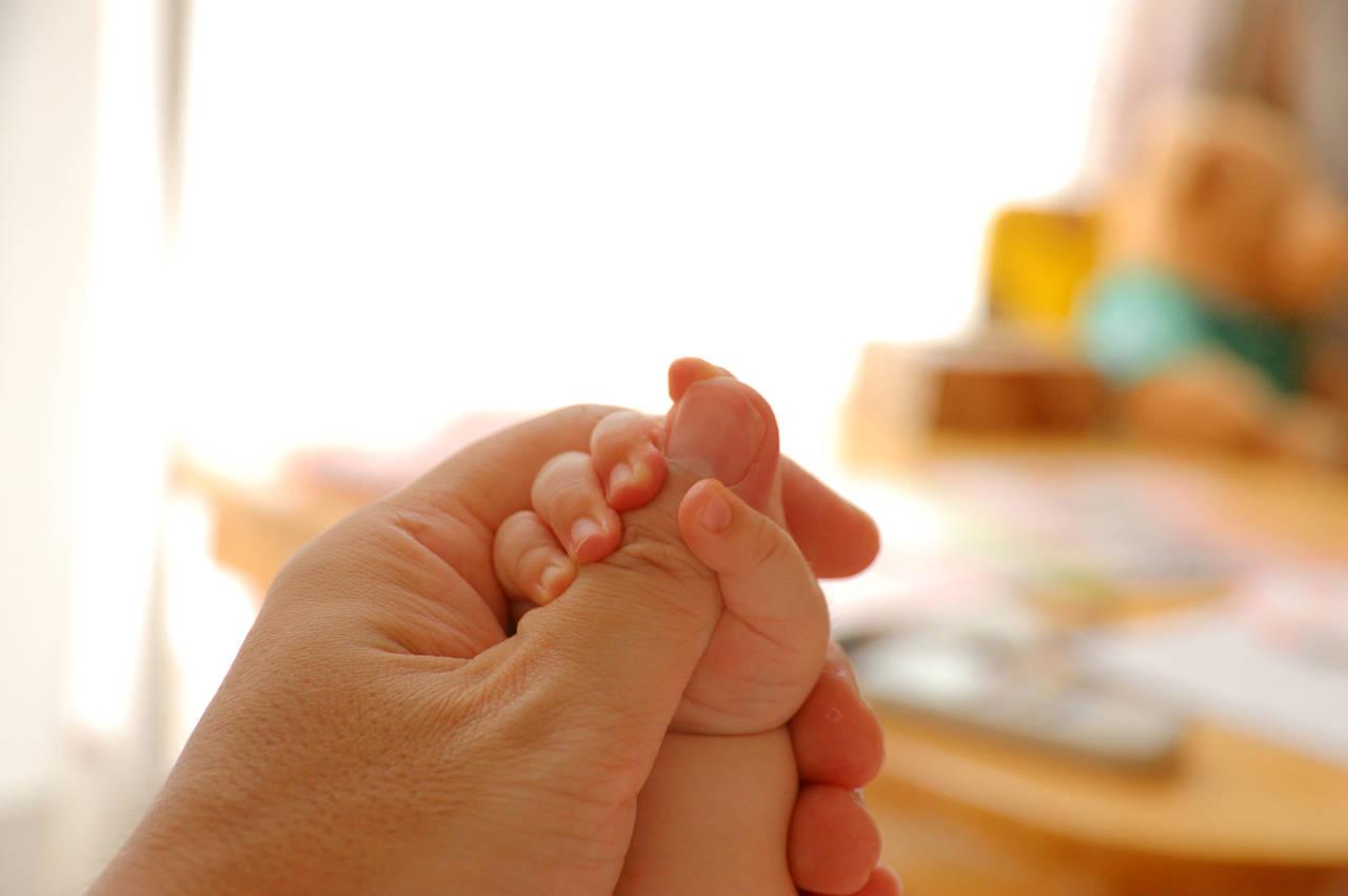 乳児の爪の切り方を知ろう!安心してできる爪の切り方とポイント