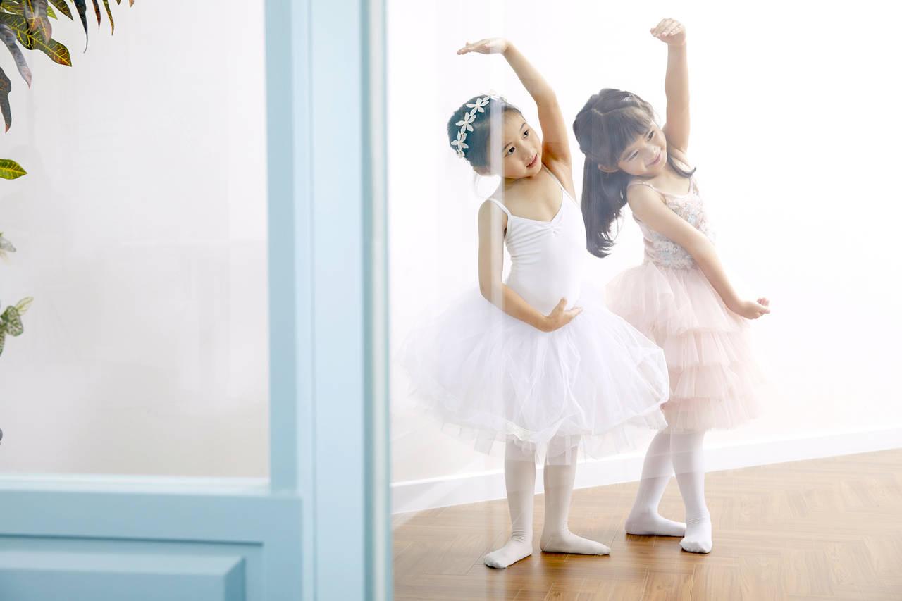 子どもにバレエを習わせたい!初期費用や教室の選び方は?