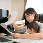 ママの勉強はスキマ時間に!将来役立つ資格と勉強のコツを紹介