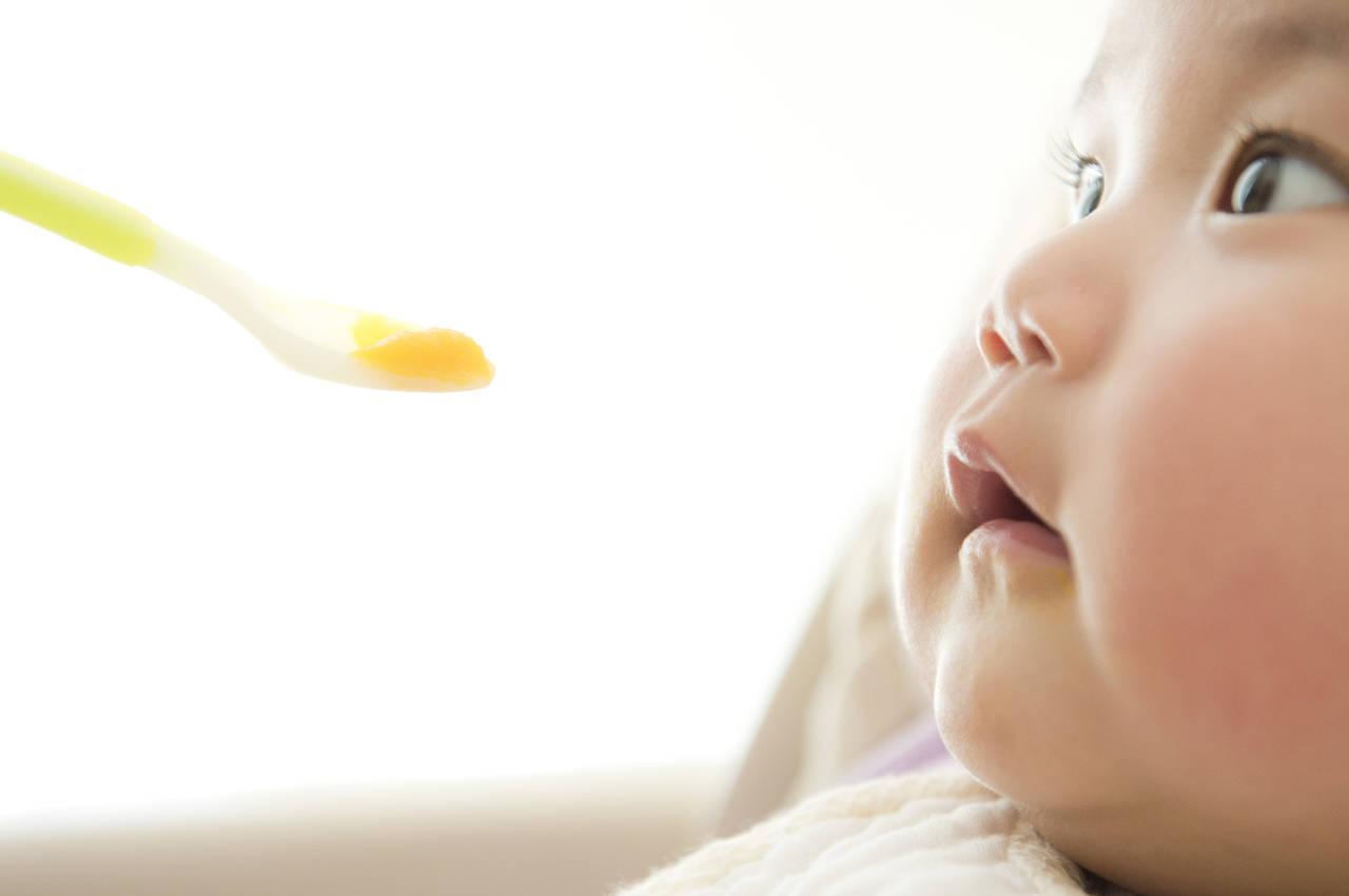 離乳食中期の基本について知ろう!献立例や悩み解決のレシピを紹介