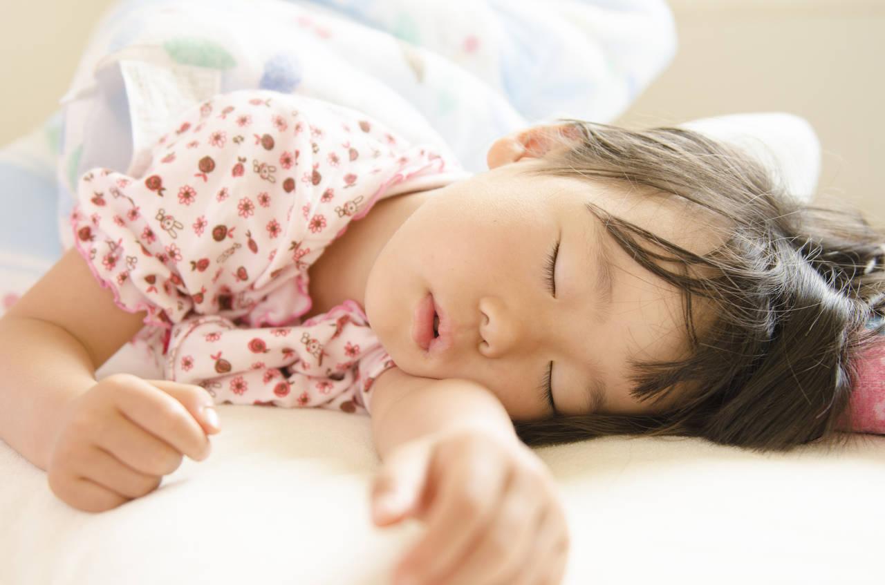 5歳児の正しい生活リズムを整える。寝起きが悪いときの起こし方