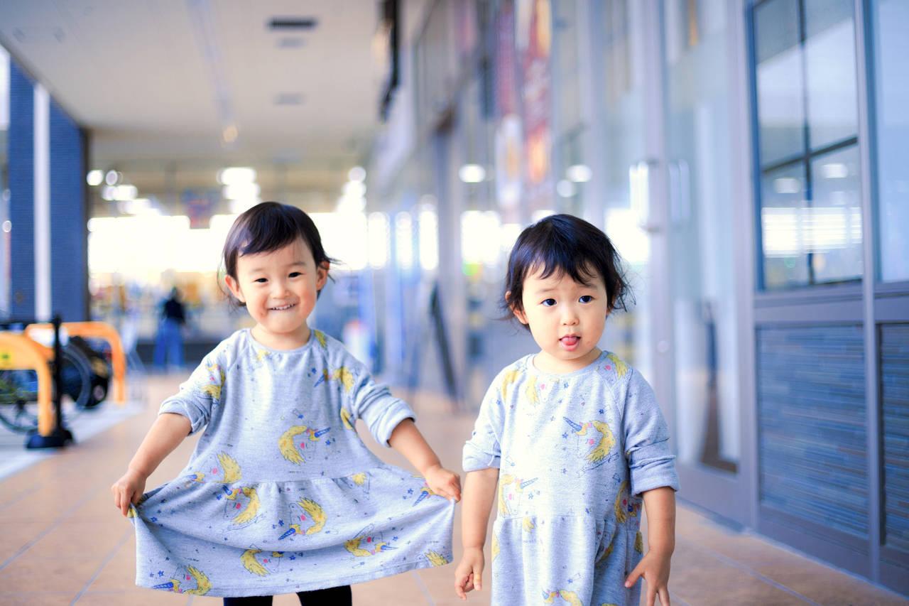 双子の子育ては大変?先輩ママに聞く双子育児を楽くする方法