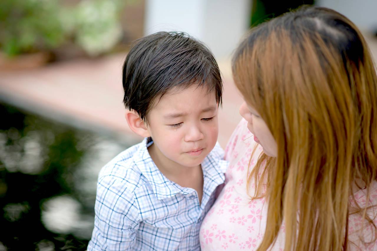 4歳児が感じるストレスとは?サインや心の負担を軽減する接し方