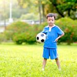 サッカーは子どもを成長させる?サッカーを習うメリットやデメリット