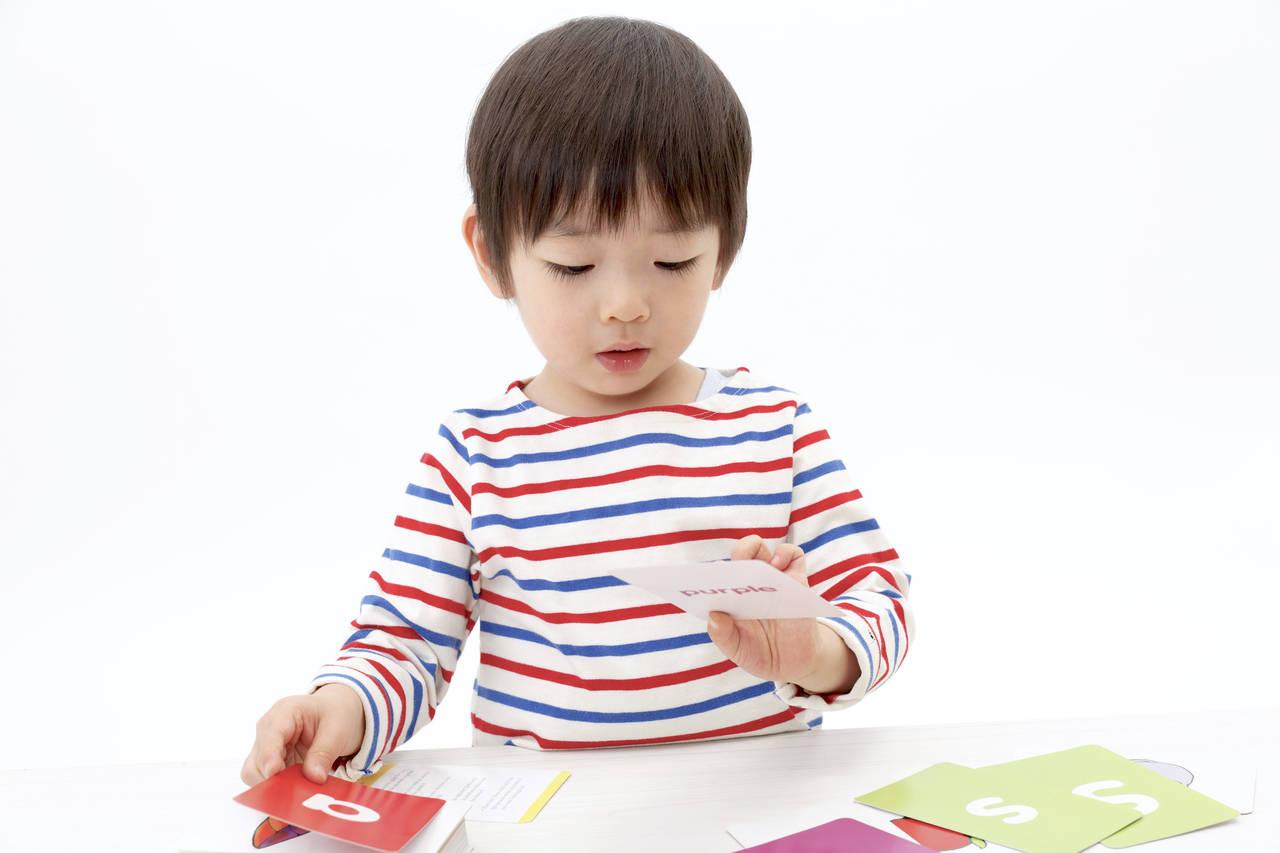 子どもが英語を習うメリット。教材や教室を選ぶときのポイント