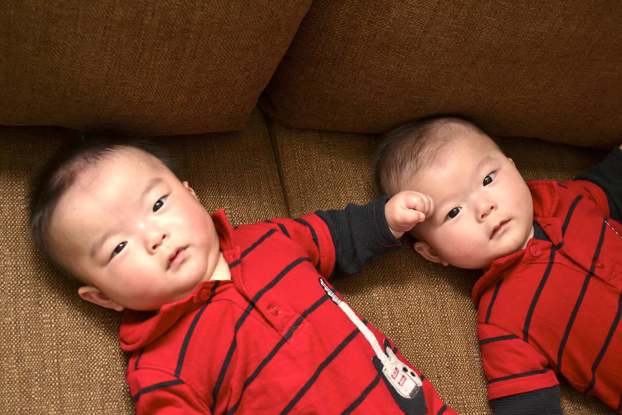 双子ちゃんへのプレゼント!失敗しない選び方や贈る際の注意点