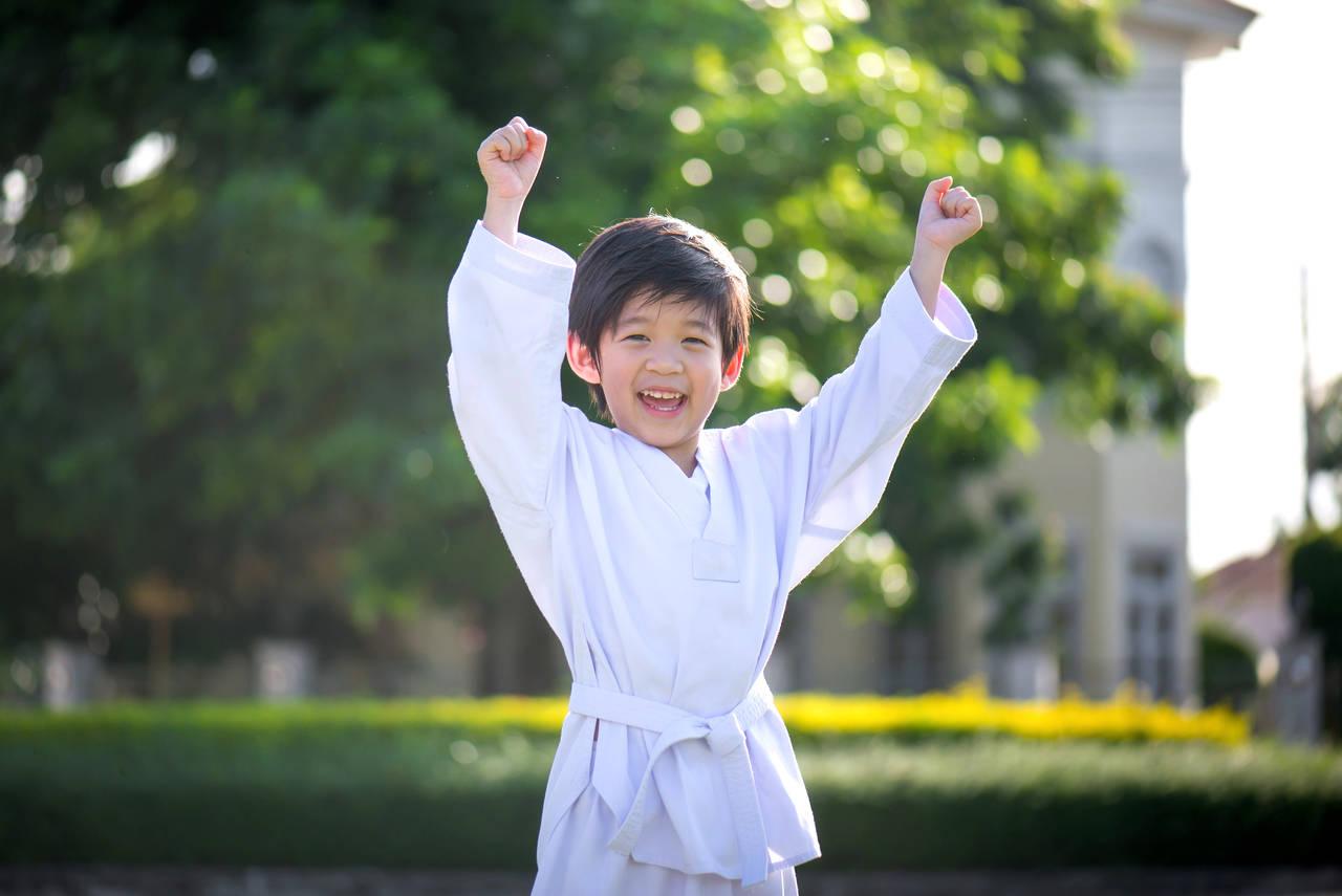 子どもの習い事には空手・柔道。メリットや教室の選び方を紹介