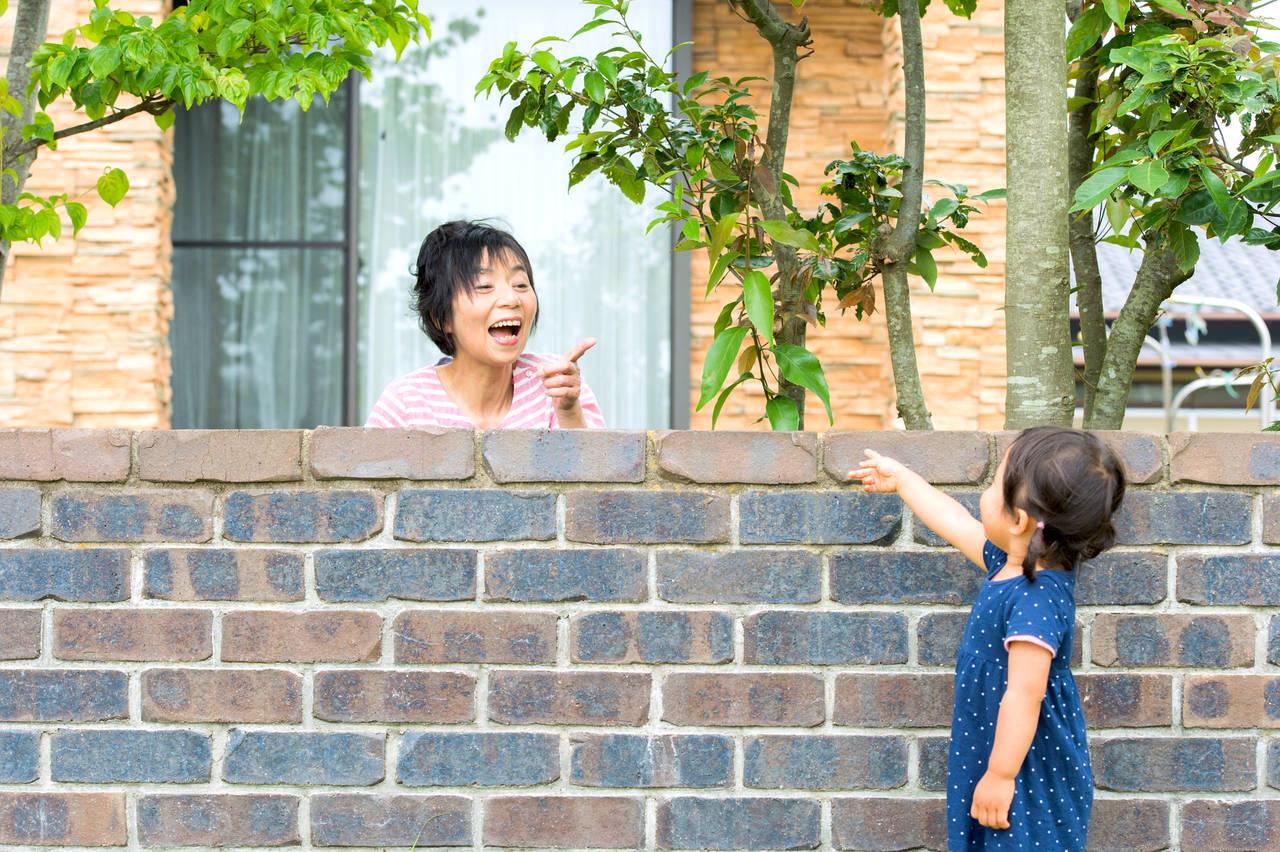 子育ての悩みはご近所にもあった。メリットや上手な付き合い方を紹介