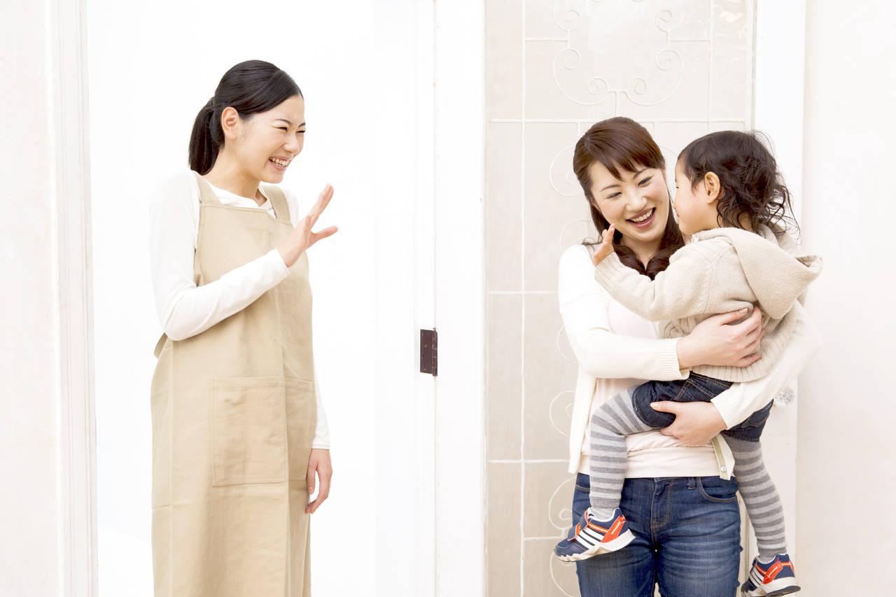 子どもをママ友に預けたい。確認事項やお礼の手土産をご紹介