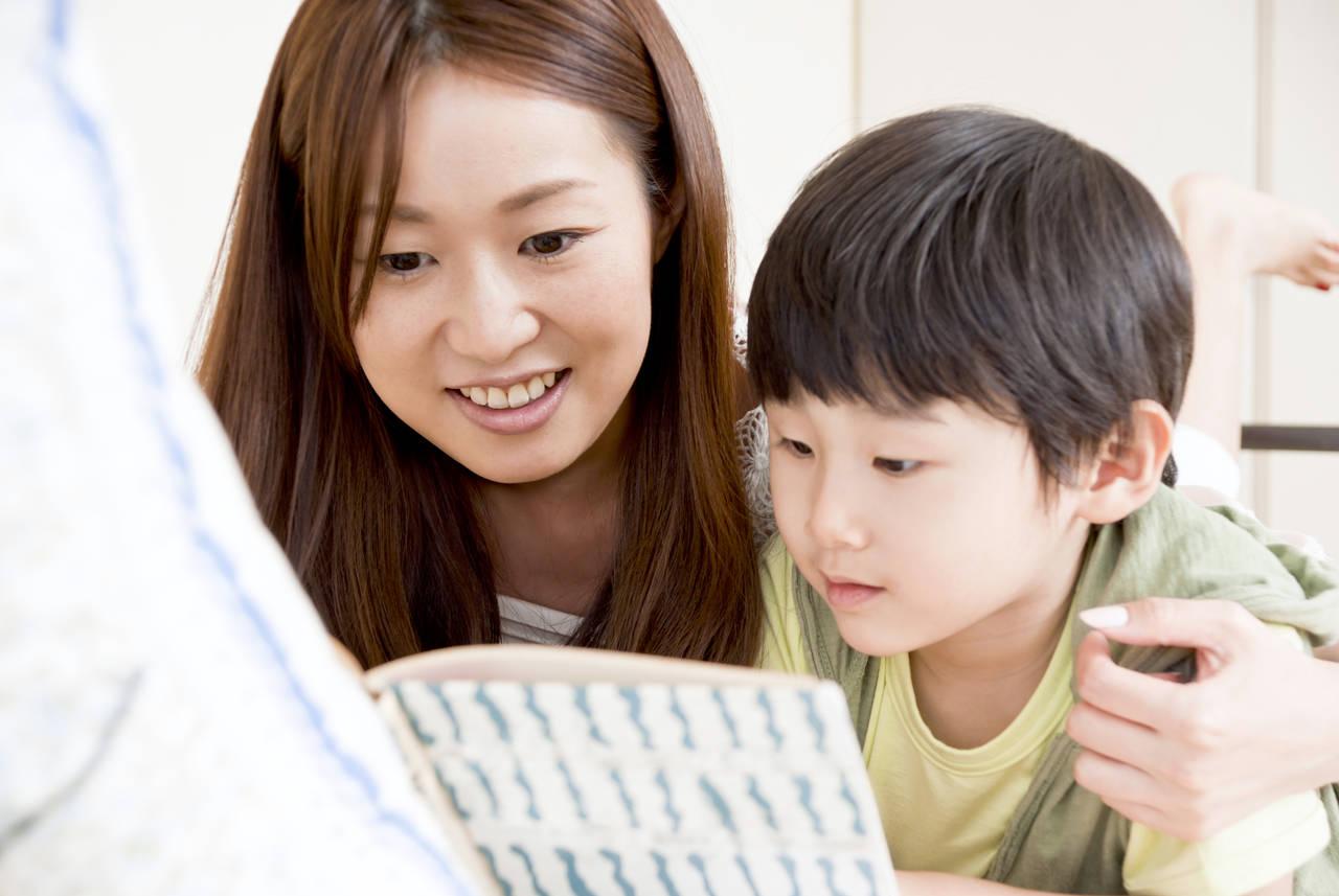小学校入学前に読み聞かせたい本は?読み聞かせの効果とおすすめの本