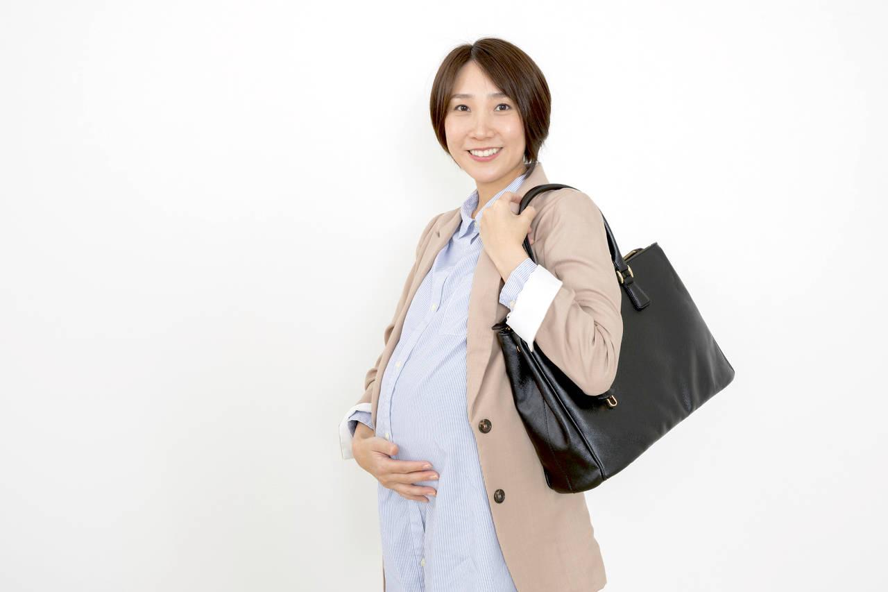 出産ギリギリまで働くのか悩む。産休の開始時期やもらえるお金