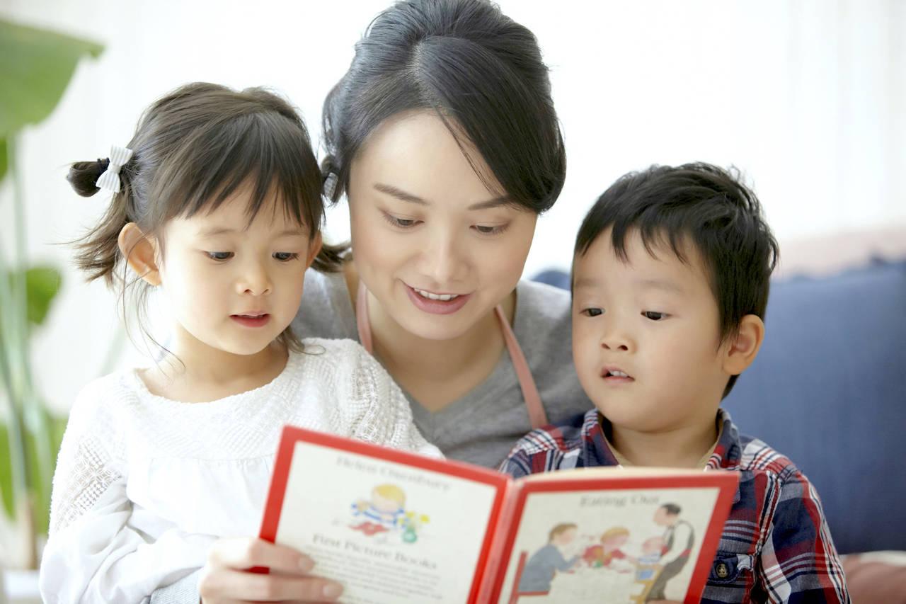 子どもと一緒にママも英語を学ぼう!勉強法や続けるコツ、教材の紹介