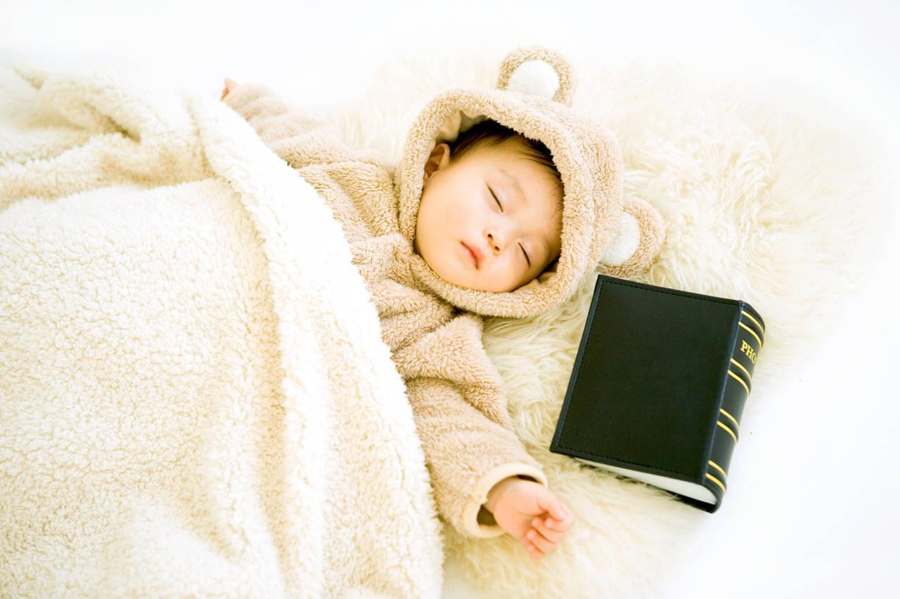 1歳児の平均的な睡眠時間は?理想的な睡眠リズムを知ろう