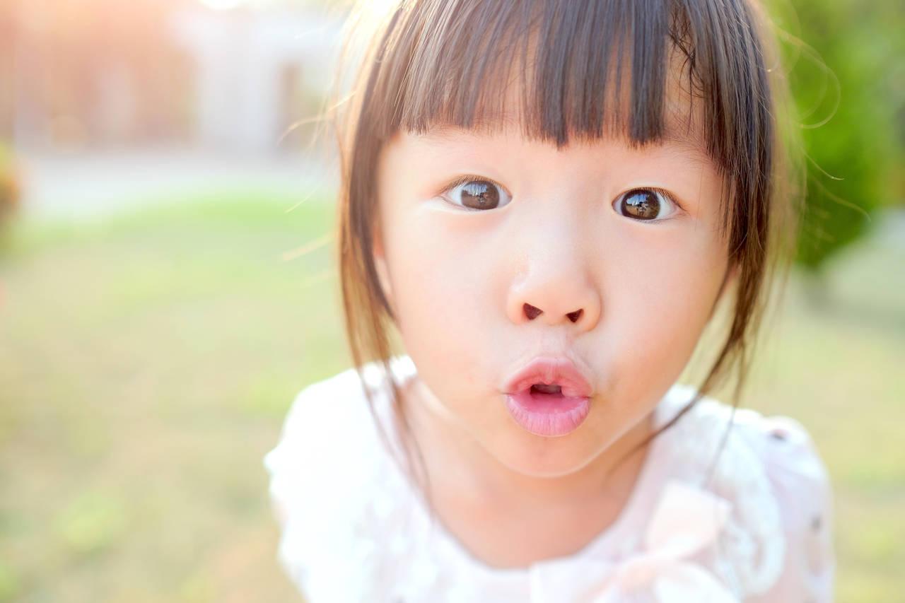 4歳児の子育ては不安がいっぱい。成長や友達関係、親の接し方を紹介